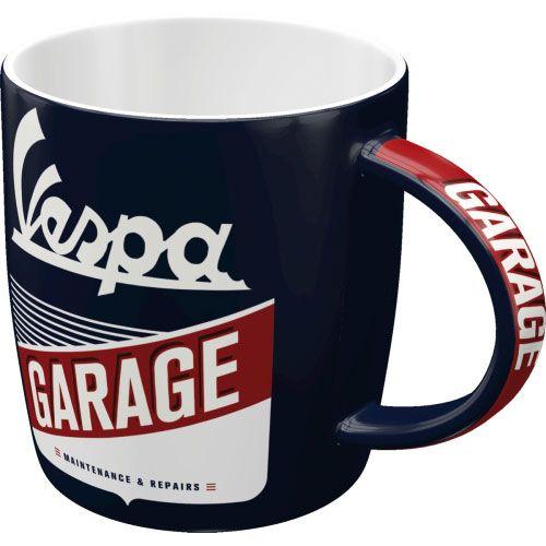 Tassen-Vespa-Garage-vorn