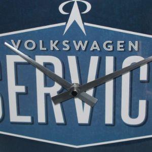 Wanduhr-Volkswagen-service-detail