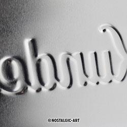 Blechschild-Prägung-Detail